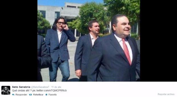 """""""Qué ondas ahí?"""": Ernesto Sanabria presume en Twitter de su relación con el entonces candidato a la presidencia 2014, Tony Saca."""