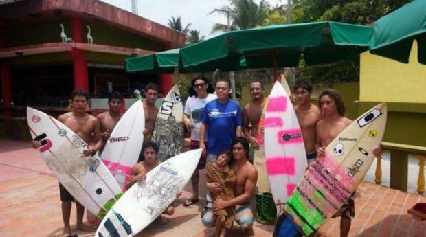 Ernesto Sanabria equipo de surf