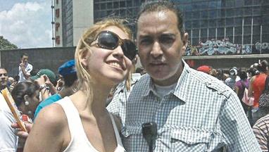 Ricardo Blanco con su hija Andreina. Foto: Paolo Luers, 2010
