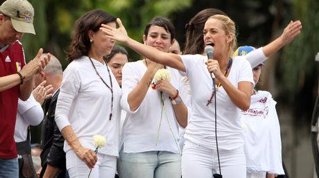 Lilian Tintori enfatizó que su lucha es por los derechos de todos los venezolanos