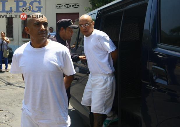 """Borromeo Enrique, """"El Diablito"""", siendo trasladado del penal de Ciudad  Barrios a Zacatelocula"""