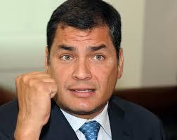 """Rafeal Correa: """"""""Ya escucho a esos odiadores disfrazados de periodistas, que el presidente insulta, injuria. ¡Mentira! Yo utilizo la ironía, el sarcasmo y eso a los mediocres les parece doble insulto""""."""
