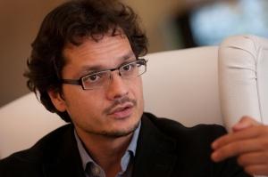 José Ignacio Torreblanca es Profesor Titular en el Departamento de Ciencia Política y de la Administración de la la Universidad Nacional de Educación a Distancia (UNED) y Doctor Miembro del Instituto Juan March de Estudios e Investigaciones.