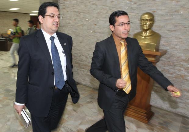 Transparencia. La declaración de patrimonio del magistrado Rodolfo González (izquierda) es la primera que hará pública la CSJ, luego de que el IAIP dijera que funcionarios como están sujetos al escrutinio.