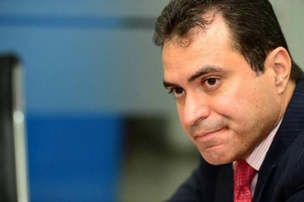 Ex-vicepresidente de Costa Rica; ex-secretario de asuntos políticos de la OEA