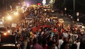 Manifestación pidiendo renuncia del presidente de Honduras, Juan Orlando Hernandez. Foto: AFP