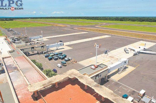 Ampliación. La modernización del aeropuerto Óscar Arnulfo Romero y Galdámez registra retraso. Es una incógnita si se debe a los cambios de gerencias e idoneidad del nuevo personal.