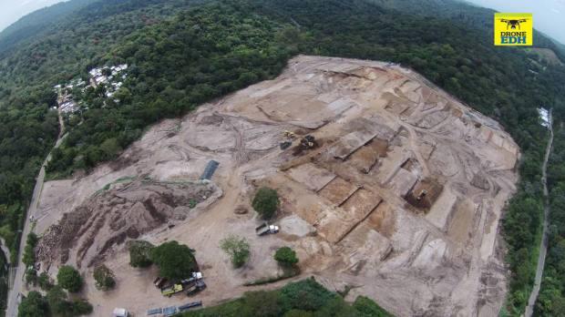 Vista aérea de la zona deforestada de la finca Florencia, en Nuevo Cuscatlán, donde se ejecuta el proyecto de viviendas Kuaukali, propiedad del IPSFA. | Foto por Evelyn Linares