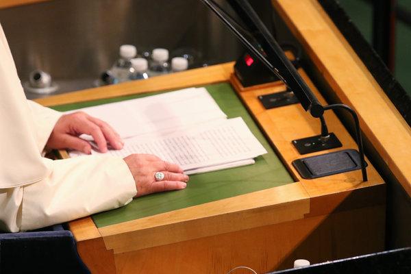 El papa Francisco hablando a la Asamblea General de Naciones Unidas. Credit Todd Heisler/The New York Times