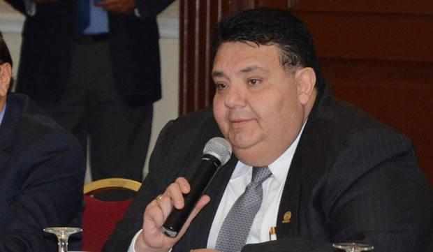 Ministro de Economía, Tharsis Salomón López.