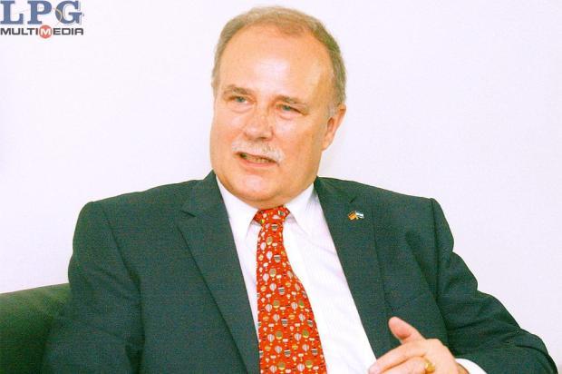 Dr. Heinrich Haupt, embajador de Alemania