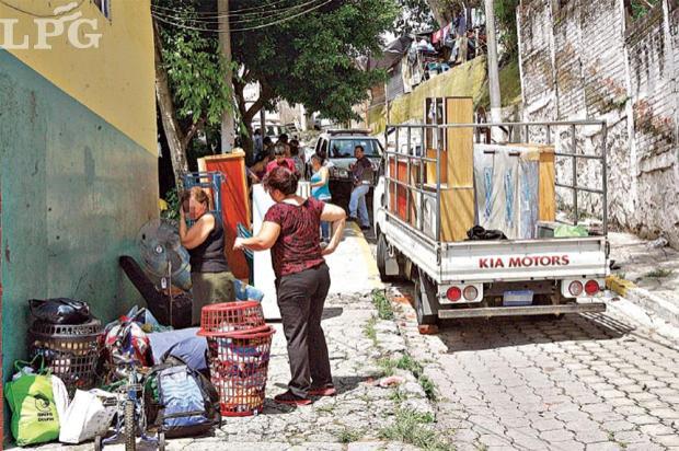 Resultados mínimos. La cooperación de EUA para el área de seguridad en El Salvador ha tenido poco o ningún impacto, señala un reciente informe. En las últimas semanas familias han abandonado sus viviendas por la inseguridad, como ocurrió en la colonia Guatemala.