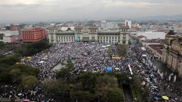 El 27 de agosto pasado, unas 130 mil personas pidieron la renuncia de Otto Pérez.