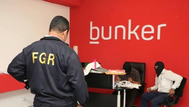 Policias y fiscales registraron las instalaciones de la empresa Bunker, donde capturaron al sospechoso de clonar el sitio web de La Prensa Gráfica. Uno de los clientes de Bunker es el Gobierno de San Salvador, presidido por Nayib Bukele.
