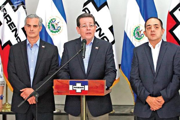 Unánime. El presidente de ARENA, Jorge Velado, dice que sus 35 diputados votarán en unidad por el fiscal general. - See more at: http://www.laprensagrafica.com/2015/12/03/sectores-de-arena-piden-nuevo-fiscal-y-velado-garantiza-unidad#sthash.1eODNUrd.dpuf