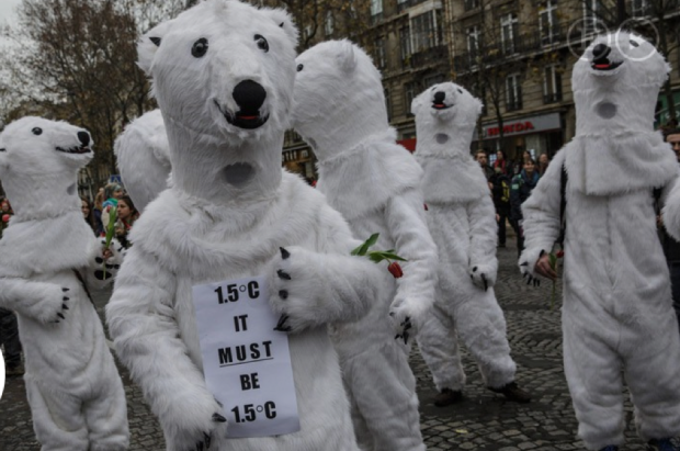 Protesta en París a favor de limitar el aumento de temperatura a 1,5 ºC / Chesnot (Getty Images) (ATLAS)