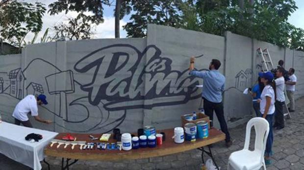 Mural con el cual inicia la compaña de pintar la comunidad Las Palmas