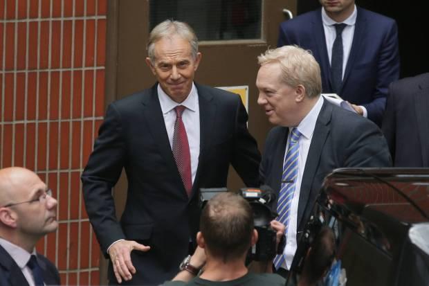 El ex primer ministro británico, Tony Blair, este viernes a la salida de Westminster. Tim Ireland AP