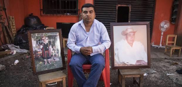 Luis López, hijo de Domingo, en la casa familiar Saul Ruíz
