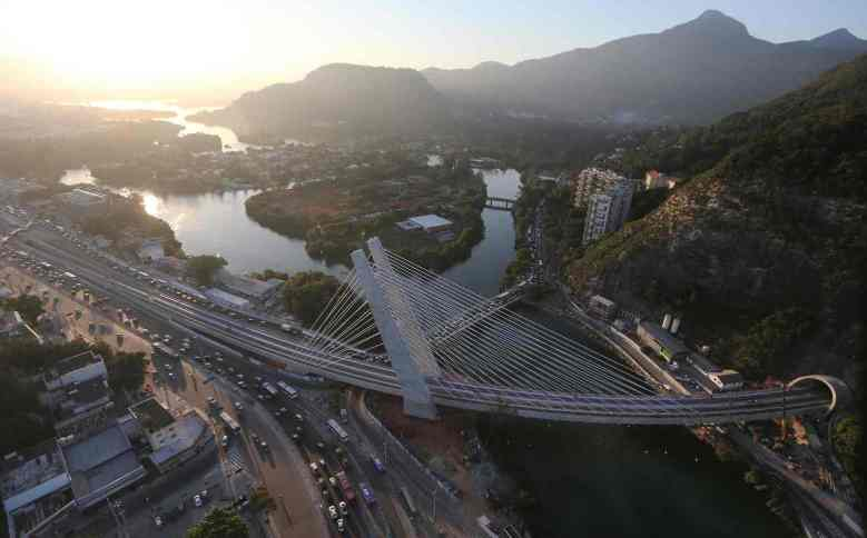 The cable-stayed bridge that will carry the new Metro Line 4 subway line into Rocinha. Photograph: Mario Tama/Getty