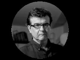 Javier Cercas es profesor de literatura española en la Universidad de Girona. Ha escrito varios libros de éxito, entre ellos 'Soldados de Salamina', que fue llevado a la gran pantalla por David Trueba.