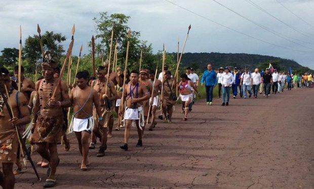 marcha-Indigenas-amazonas-3
