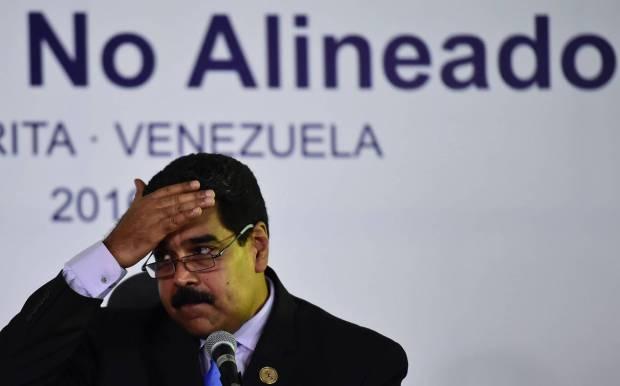 Nicolás Maduro durante una rueda de prensa en la cumbre de los países no alienados celebrada en Isla Margarita. RONALDO SCHEMIDT AFP