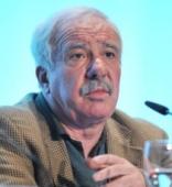 Julio Carabaña es profesor de Sociología en la UCM. La Catarata acaba de publicar su libro Pobres y ricos.