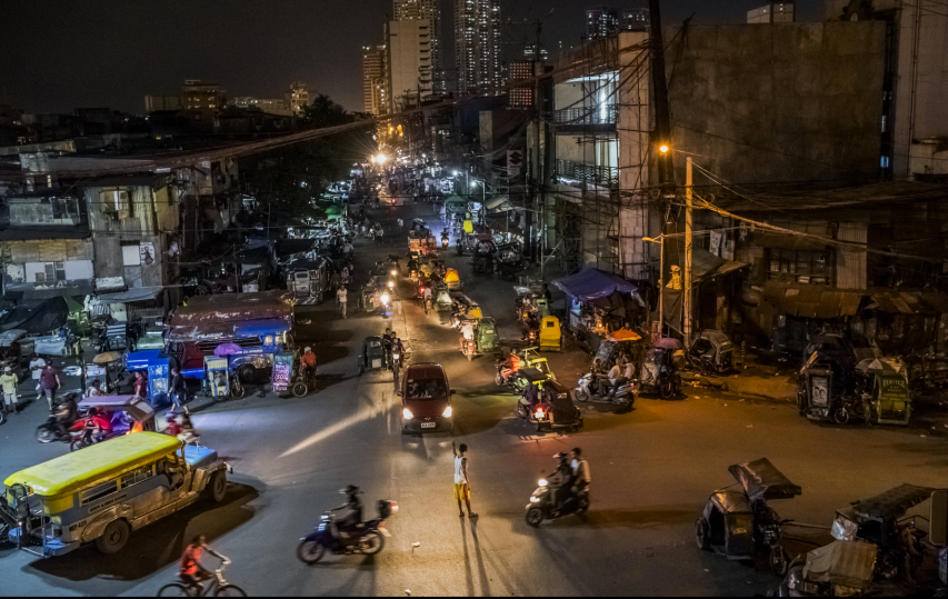'Busy nights'. The Tondo neighborhood of Manila.