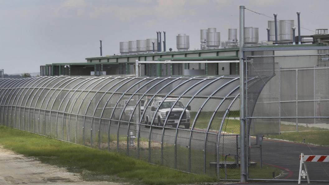 The Prairieland Detention Center in Alvarado, Texas. (Louis DeLuca / Associated Press)