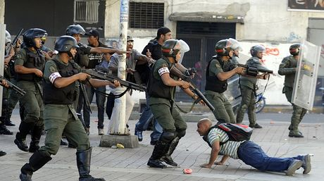 guardia-nacional-bolivariana-gnb-afp_nacima20140212_0204_6